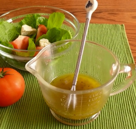 Recipe for basic vinaigrette : Whip up your own salad dressing in a jiffy